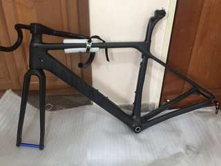 Canyon roadbike frameset.full carbon fibre frame