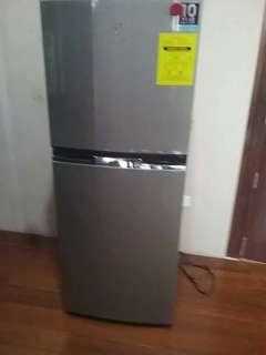 Refrigerator 6ft.