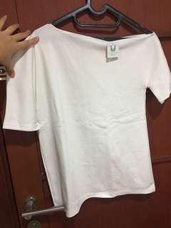 Off shoulder shirt white
