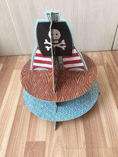 Pirate cake tier