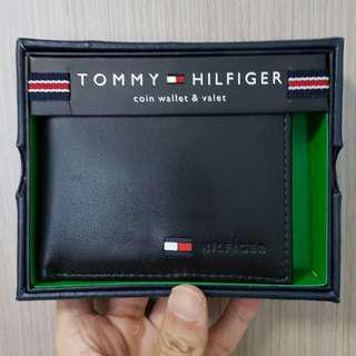 🚚 CHEAPEST! Tommy Hilfiger Leather Bifold Wallet With Coin Pocket