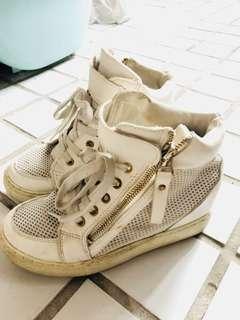 🚚 白色增高布球鞋37號