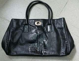 Flura Handbag