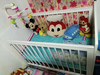 Crib for infant to toddler with Matress
