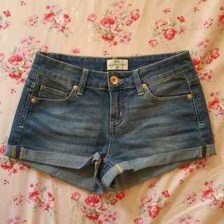 🚚 NET 中藍色中低腰反折牛仔短褲