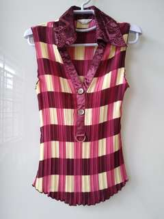 Checkered sleeveless blouse