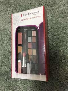🚚 Elizabeth Arden Glamour On The Go (make-up travel set)