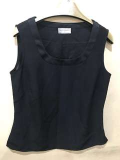 black sleeveless medium