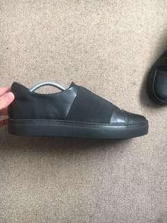 *Sale* COS black sneakers (43/10)