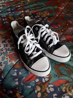 Black authentic converse