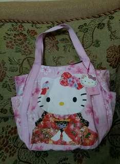 🚚 三麗鷗授權Kitty手提包大容量Kitty手提袋日本和服造型Kitty側肩包 美觀時尚實用