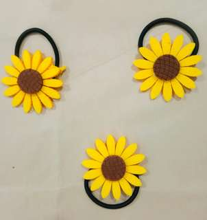 Sunflower ponytail