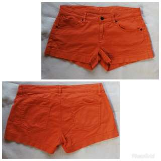Orange hotpant 0907
