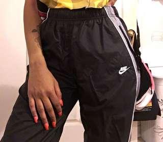 Nike Windbreaker Pants (Black/Grey)