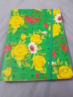 MCM notebook (inside - lines)
