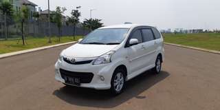 Toyota Avanza Veloz 1.5 AT Matic 2013 Putih