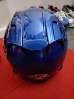 ALMOST BRAND NEW blue arai helmet size S fits M