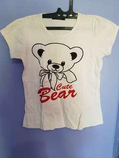 Kaos putih bear