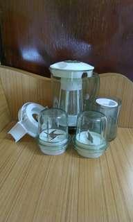 搾菓汁杯3個及其它配件共5件,9.5成新