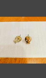 🚚 金色小骷髏頭耳針式耳環
