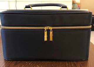 Make up bag | vanity case | vanity bag ( Estée Lauder)