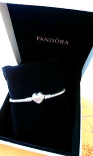 Pandora 手鍊 Moments Silver Bracelet With Heart Clasp