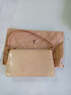 authentic Louis Vuitton pochette monogram vernis