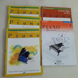 Piano Books: Alfed's Lesson Books and Piano Adcentures