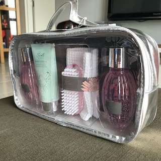 Lovely Lace Hamper Gift Scents body wash lotion