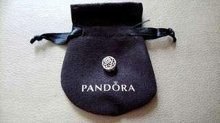 Pandora Round Shape Heart Charm 圓形心心鏤空串飾連袋