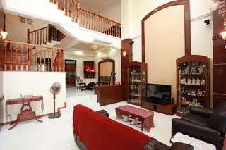 3 Storey Terrace House @ Loyang Villas For Sale