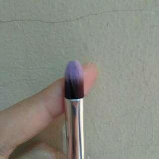 Conical eyeshadow brush