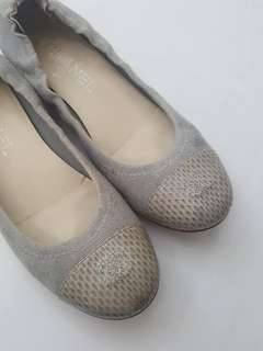 Chanel gray canvas captoe ballet flats