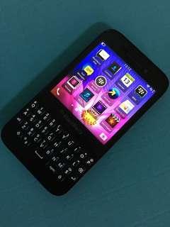 Blackberry Q5 Super Mulus Siap Pakai