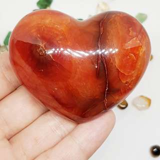 Red Orange Carnelian Agate Crystal Heart to attract Prosperity, new resources and Good Luck 红玛瑙水晶 财运