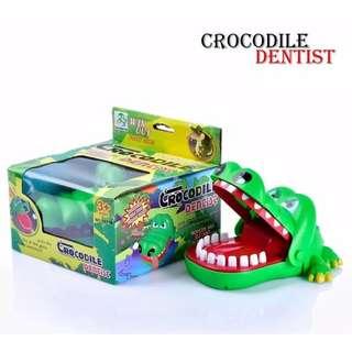 Mainan Anak crocodile Dentist Finger Bite Running Man