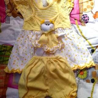 Set playauit baby boneka kuning