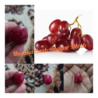 Batu mustika buah anggur merah