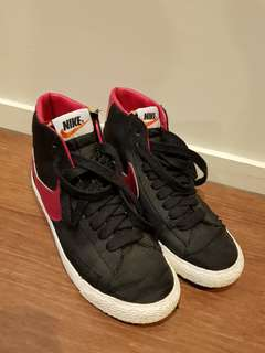 Nike high tops - size 6 US