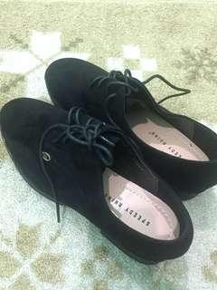 Speedy Rhino Shoes