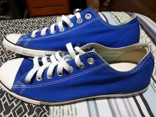 Slim Classic Blue Chuck Taylors