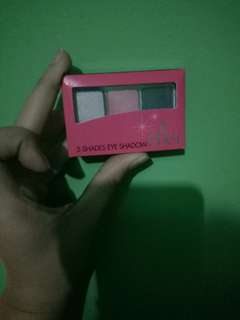 Pixy 3 shade eye shadow pinkish glam 03