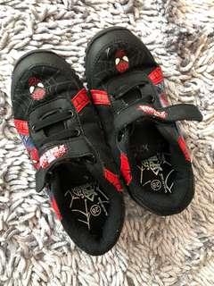 Sale Spiderman shoes size 28