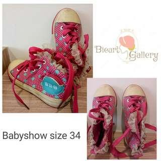 Sepatu boots pink