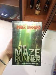 The Maze Runner by James Dashner English