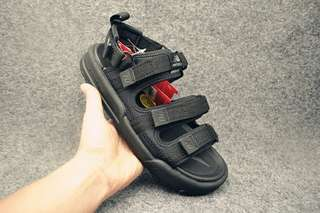 新百倫 New Balance NB涼鞋 尺碼:35-44