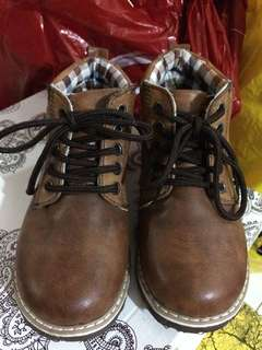 Hammerhead brown boots