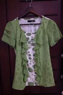 Atasan hijau polkadot
