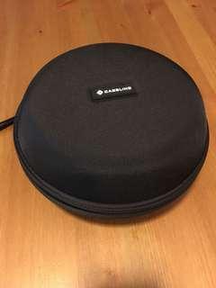 Caseling Hard Headphone Case