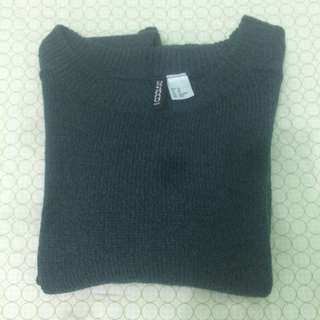 H&M Divided Long Sleeve Knit Crop Top